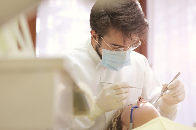 Dentist or Prosthodontist for Dental Trauma