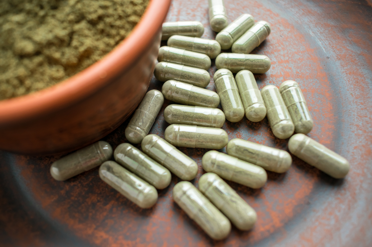 Are You Ordering Kratom Online? Read This First